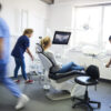 Hambaarstid murravad müüte: implantaadid pole enam ammu kallid!